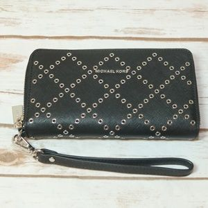 Michael Kor Black Wallet Wristlet